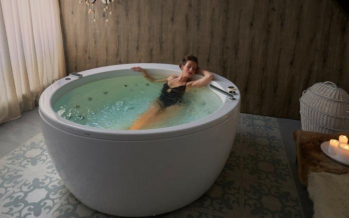 Aromatherapie und höchster Komfort im eigenen Badezimmer, hausgemachtes Badesalz für Entspannung