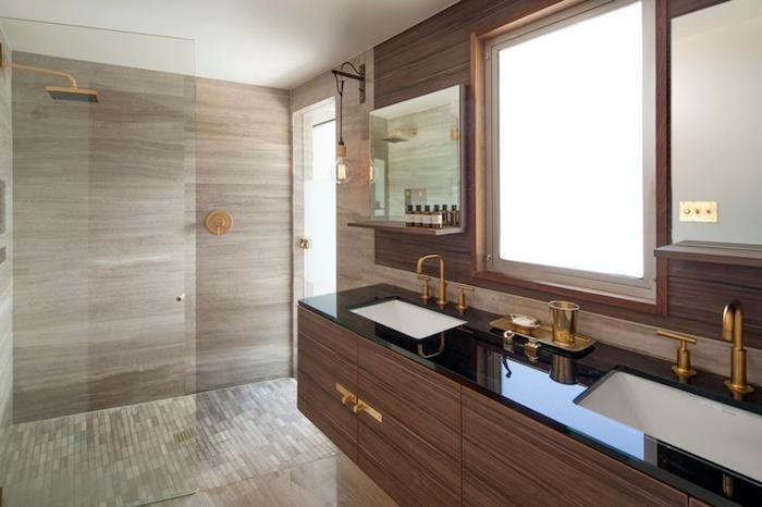 Badezimmer Deko, Modernes Bad Mit Dusche, Waschbecken Mit Unterschränken