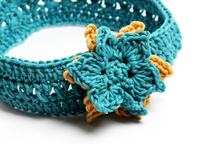 Blauer Haarband mit Blume, selbst gehäkelt, süßes Babygeschenk für Mädchen selber machen