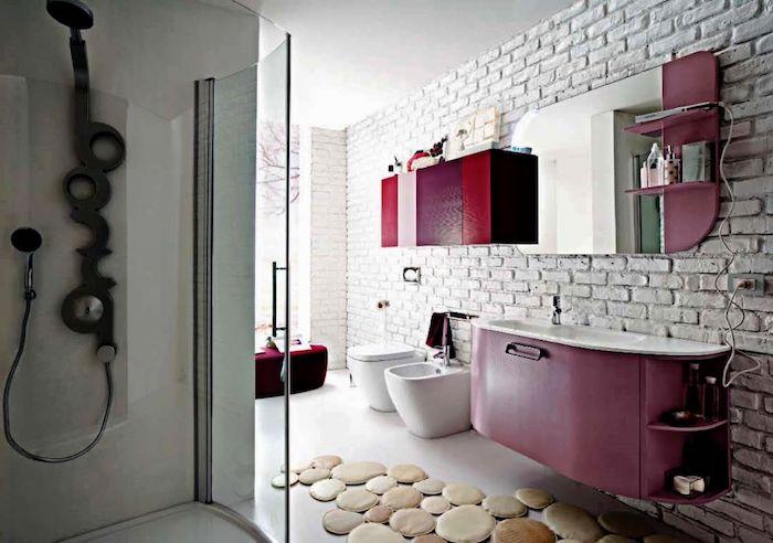 schöne bäder, badezimmer in weiß mit dusche und rosa schrank