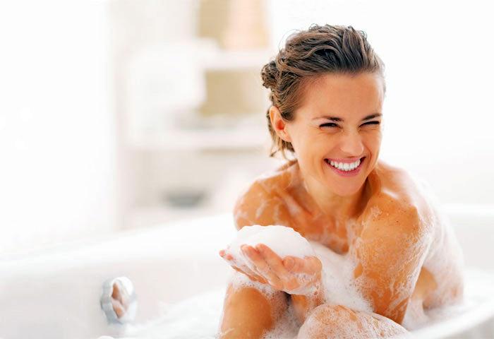 basische körperpflege, richtige hautpflege mit kosmetik aus naturprodukten