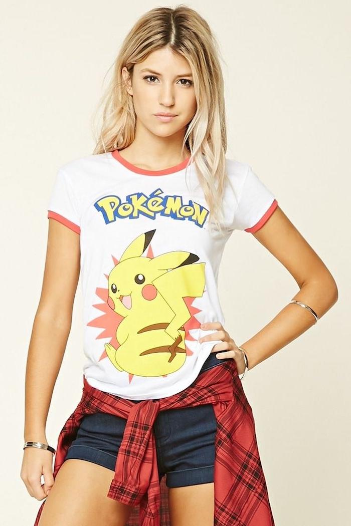 Pikachu, der bekannte Pokemon auf ein T-shirt bedrucken, eine lässige Kleidung