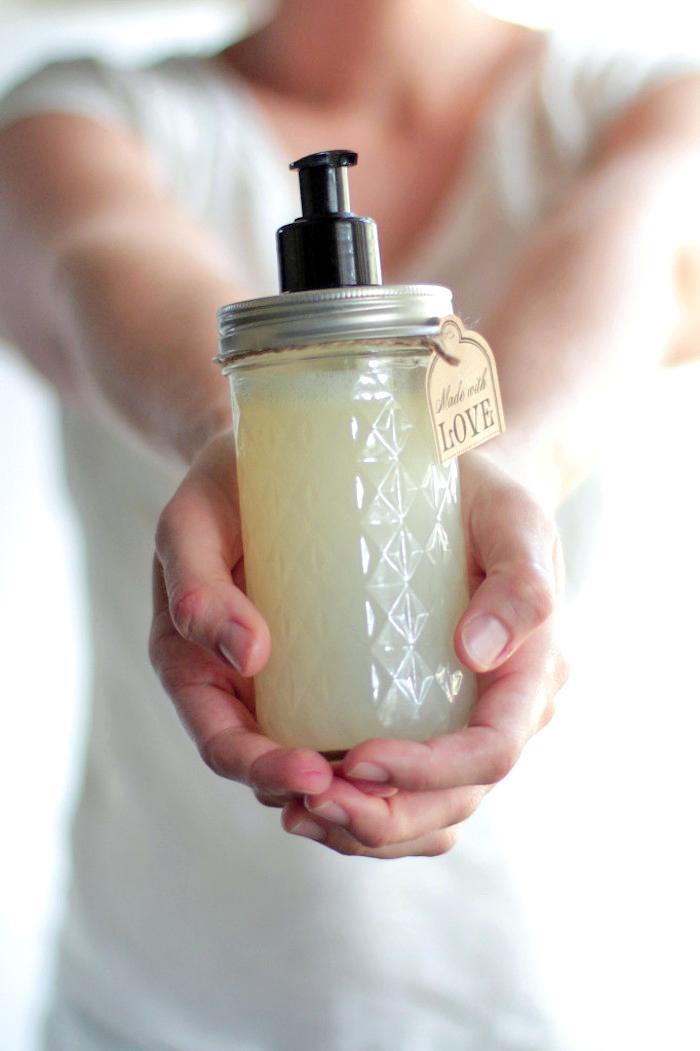 biokosmetik, selbstgemachtes duschgel mit kokos, diy geschenke für frauen