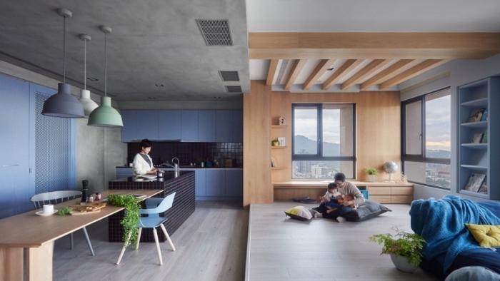 deko ideen küche, helle kpchenschränke, langer kolztisch, wonung einrichten, moderne küchenfarbe blau