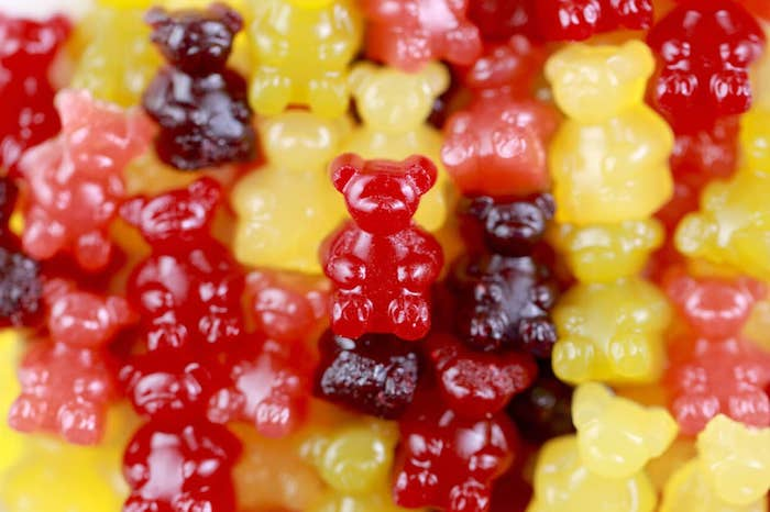 Quick and easy recipes for making gummy bears yourself