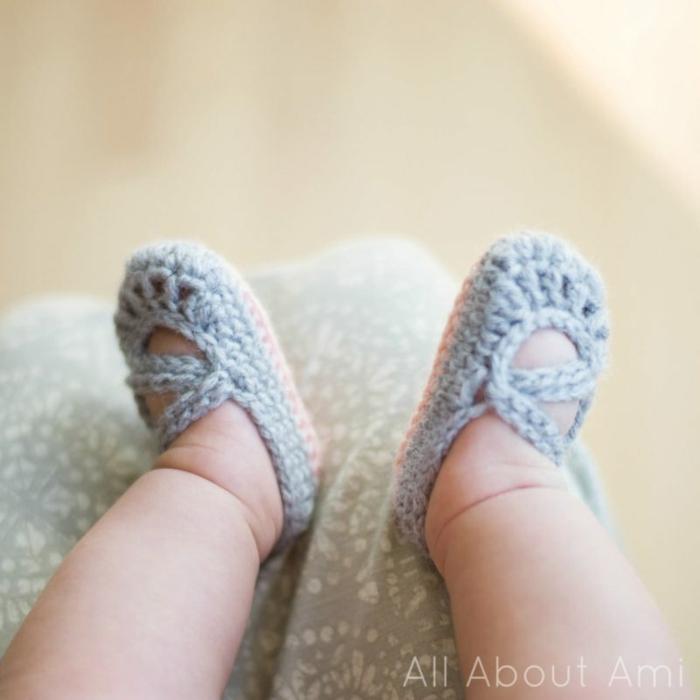 Selbstgestrickte hellblaue Babyschuhe, Geschenkideen für süße Babys, passend für Mädchen und Jüngen