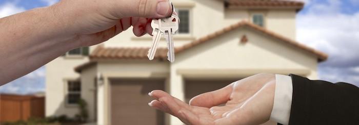 Das Haus ist endlich Ihres Haus Kontakt zu Immobilienmakler