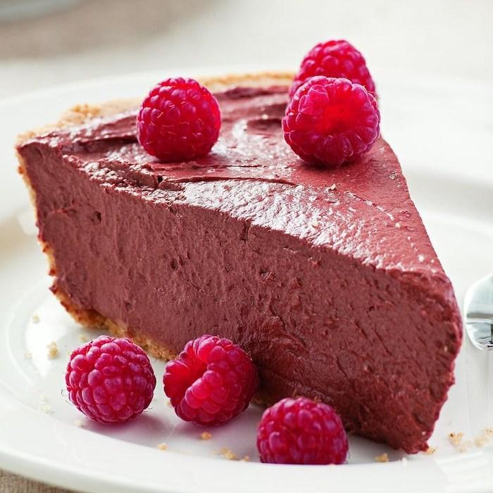 vegane schokolade pudding zum kuchen machen himbeer-schokolade süßigkeit nachtisch für veganer