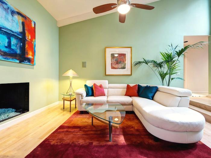 kissen mint ideen dekorationen im wohnzimmer tisch lampe wanddeko kaminofen teppich sofa palme