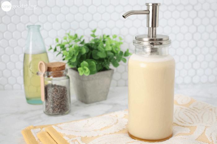 kokosöl haut, selbstgemachtes duschgel mit olivelöl und lavendel