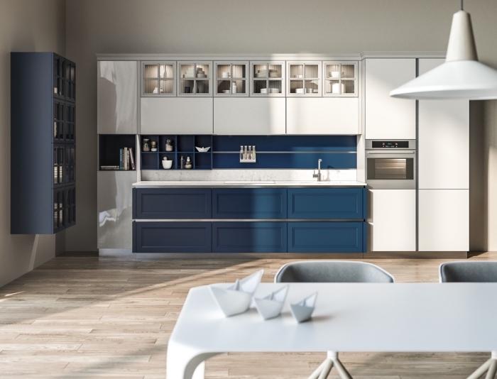 küche weiß holz und dunkelblau, moderne desginer möbel in blau und weiß, parkettboden
