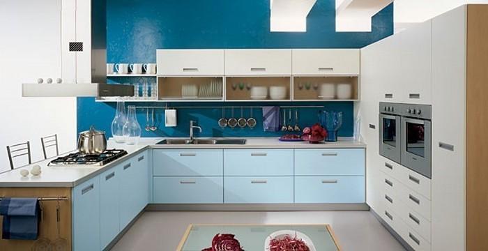 kücheneinrichtung ideen zum erstaunen schöne küche mit zwei verschiedenen nuancen des blauen