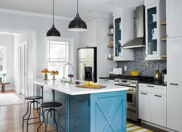 schöne küchen einrichten möblieren gestalten dekorieren kontraste schaffen kontrast deko möbel dunkel hell