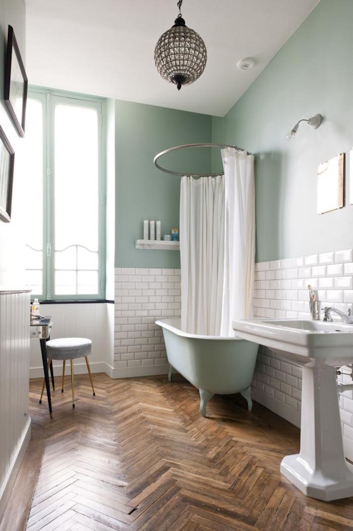 kleider mintgrün bad weiß-grün schöne ideen für das badezimmer waschbecken badewanne vorhänger stuhö kugelförmige lampe