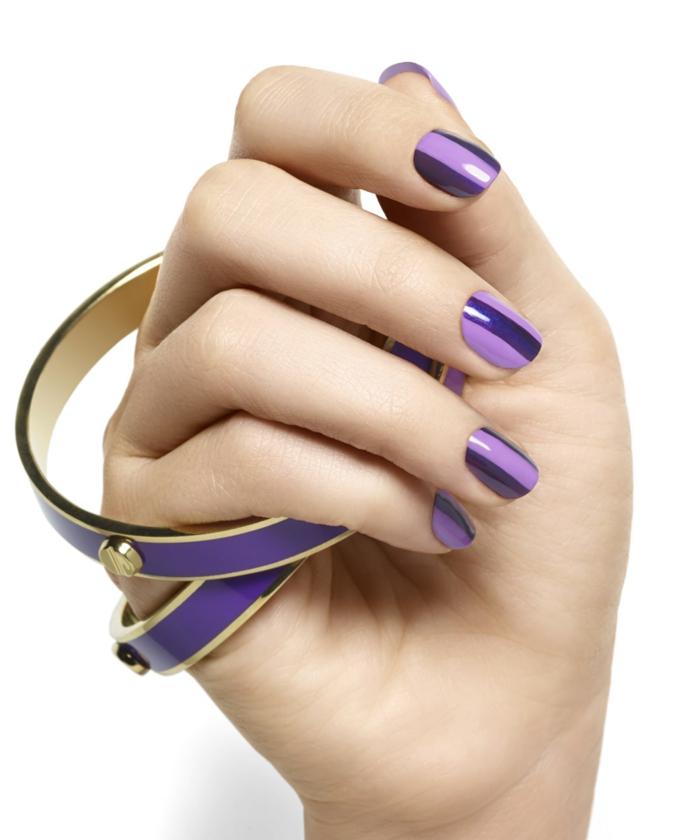 Idee für Wintermaniküre in zwei Lila-Nuancen, ovale Nagelform, einfach zum Nachstylen