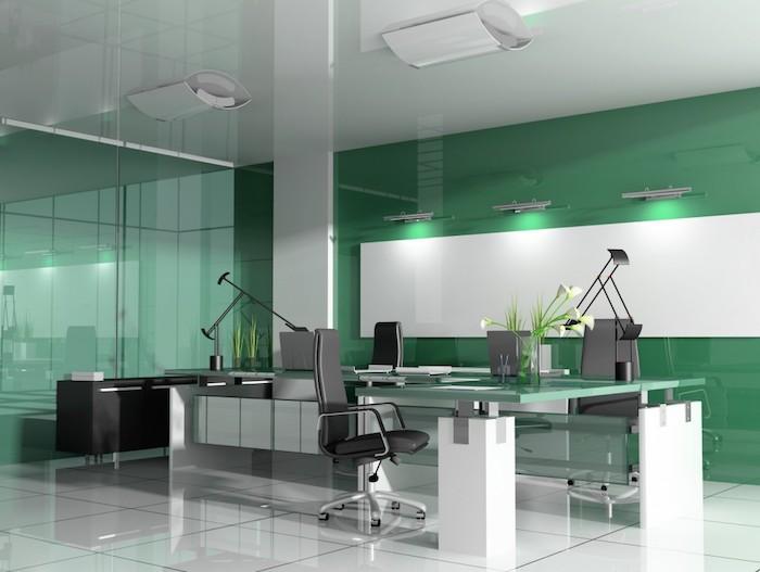 mint farbe im büro wanddeko grüne wand bequeme sessel weiße blumen in einer vase schöne arbeitsatmosphäre