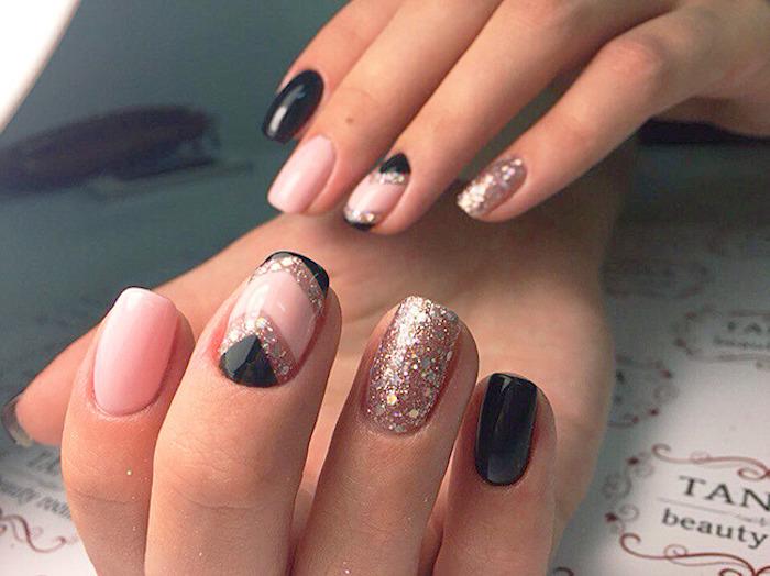 gelnägel galerie farben dekorationen schöne nageldesigns mit glitzer schwarz rosa goldene deko für die nägel