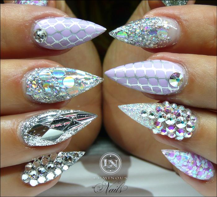 nageldesign galerie schöne nageldesigns mit steinen bunte pastellfarben spitze nägel mit steinen und glitter