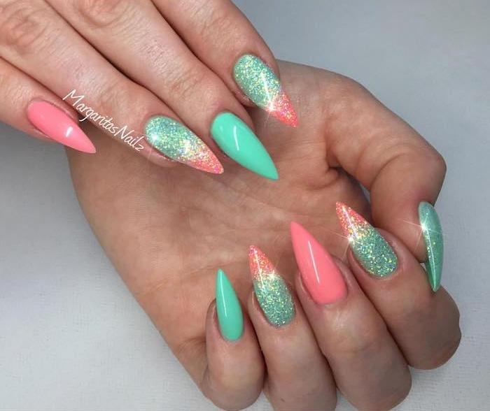 gelnägel nude mit verschiedenen farben verzieren mintgrün nagellack orange glitzer spitze nägel spitzes nageldesign