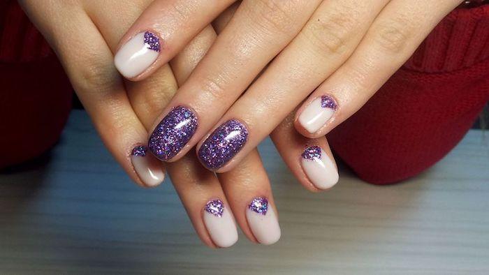 gel nägel zum erstaunen hautfarbe basis mit violettfarbene dekorationen glitzernde ideen
