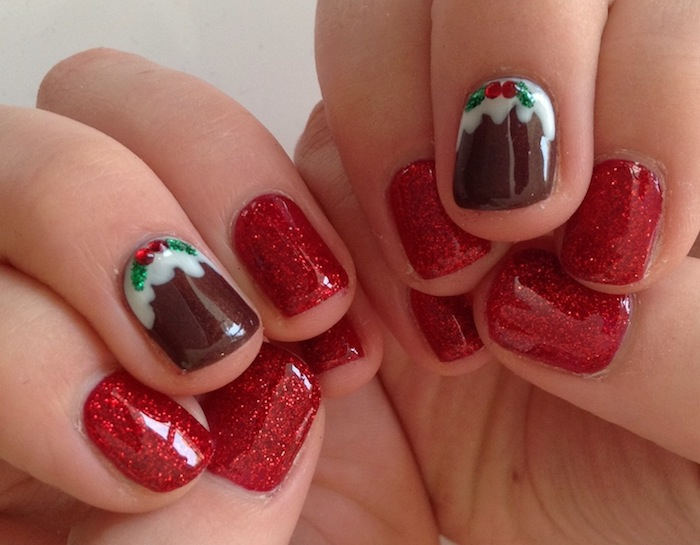 glitzer zum weihnachten rote nägel mit glitter auftupfen deko auf einem nagel braun mit weiß und grün nageldesign mit steinen kurze nägel