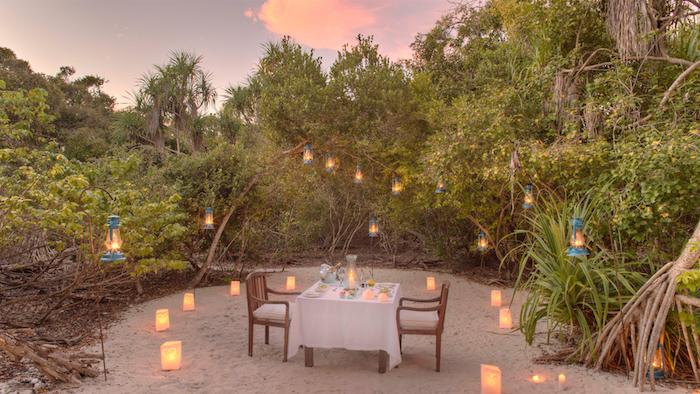 wetter sansibar immer wieder warm und feucht schönes tropisches klima romantisches flair zum abendessen romantik auf insel zanzibar