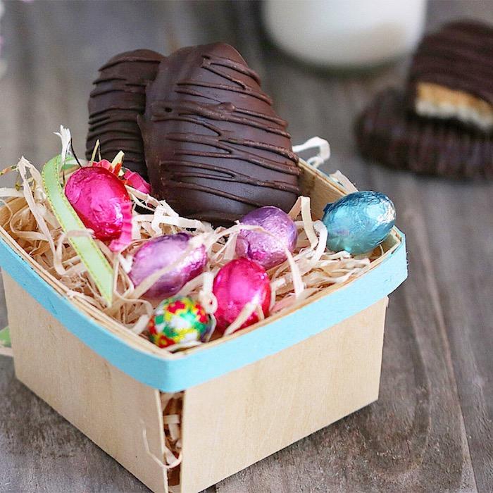 schokolade ohne milch zu ostern dekorieren in kasten stellen und den lieben meschen oder verwandten schenken geschenke osterei ideen