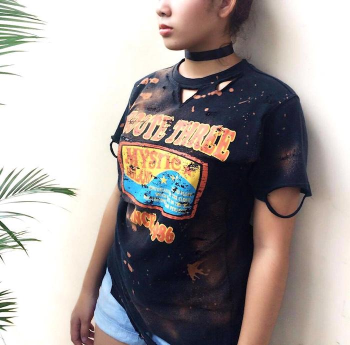ein schwarzes T-shirt, das wie alt aussieht Shabby Stil - T-shirt selber machen