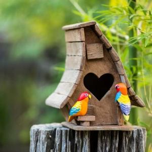 Nistkasten selber bauen - DIY Projekte für Kinder und Erwachsene