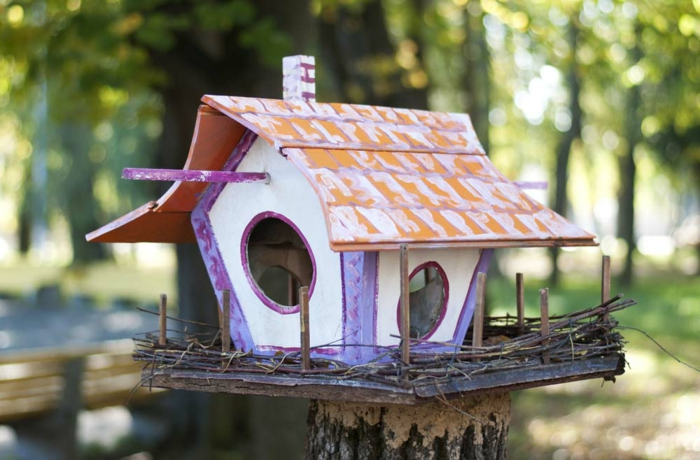 Vogelfutterhaus selber basteln, DIY Projekte für Kinder und Erwachsene, ausführliche Anleitungen