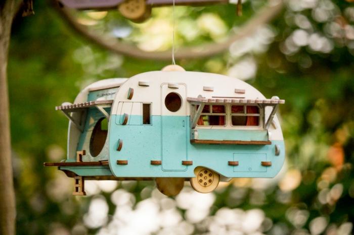 Caravan-Vogelhäuschen in Weiß und Hellblau, schöne Dekoration für Ihren Garten und Balkon