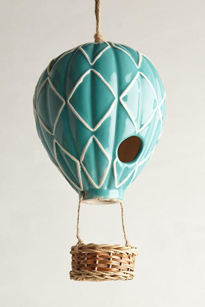 Luftballon-Vogelhäuschen, schöne Dekoration für Ihren Garten oder Balkon, hellblau und weiß, aus Keramik