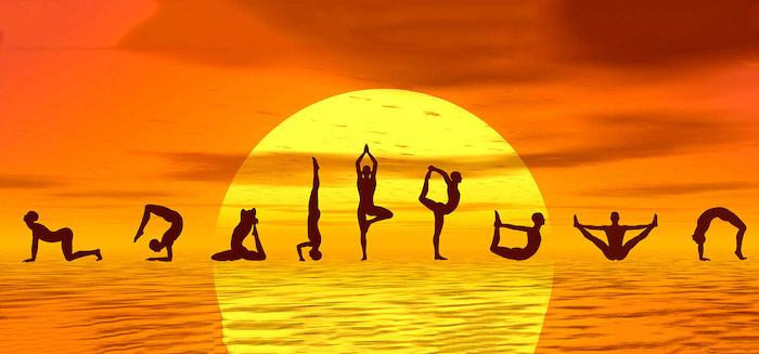 Hatha Yoga, neun Männerfiguren, die verschiedene Positionen zeigen, den Körper modellieren, dunkle Wolken, gelb-oranger Himmel