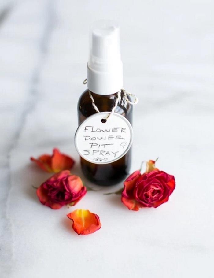 naturkosmetik selber machen, parfüm aus natürlichen zutaten, rosenöl