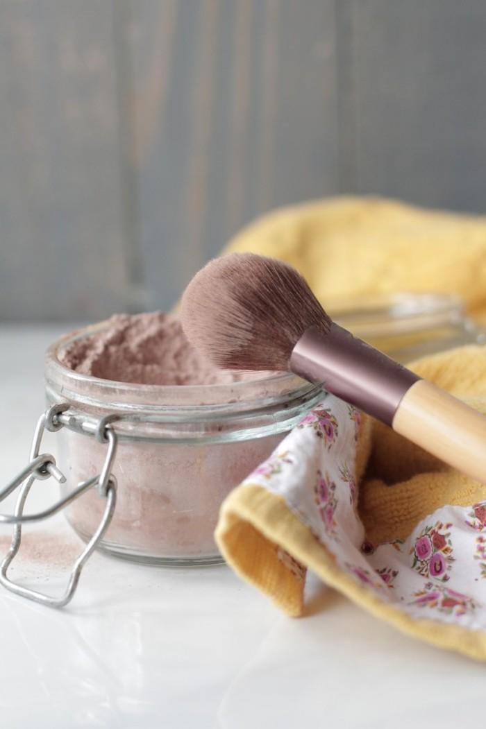 puder selber machen, selbstgemachter puder aus mehl und kakaopulver