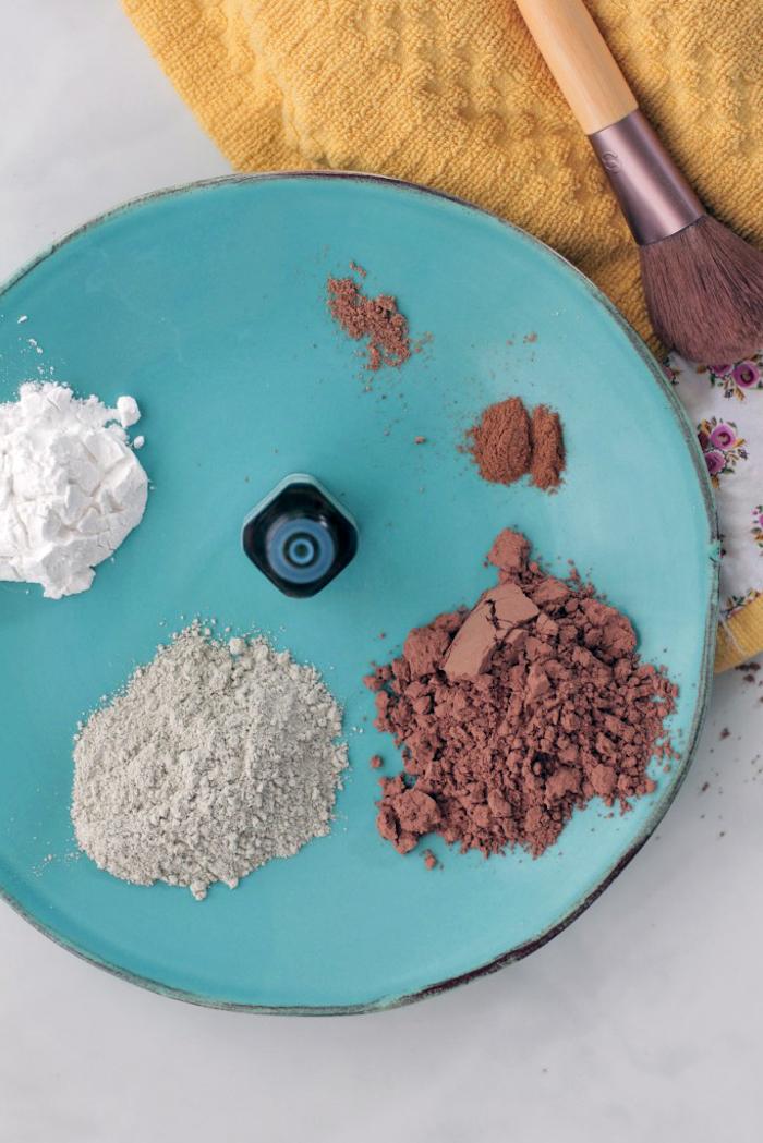 puder selber machen, zutaten für puder mischen, schminke aus mehl und kakaopulver