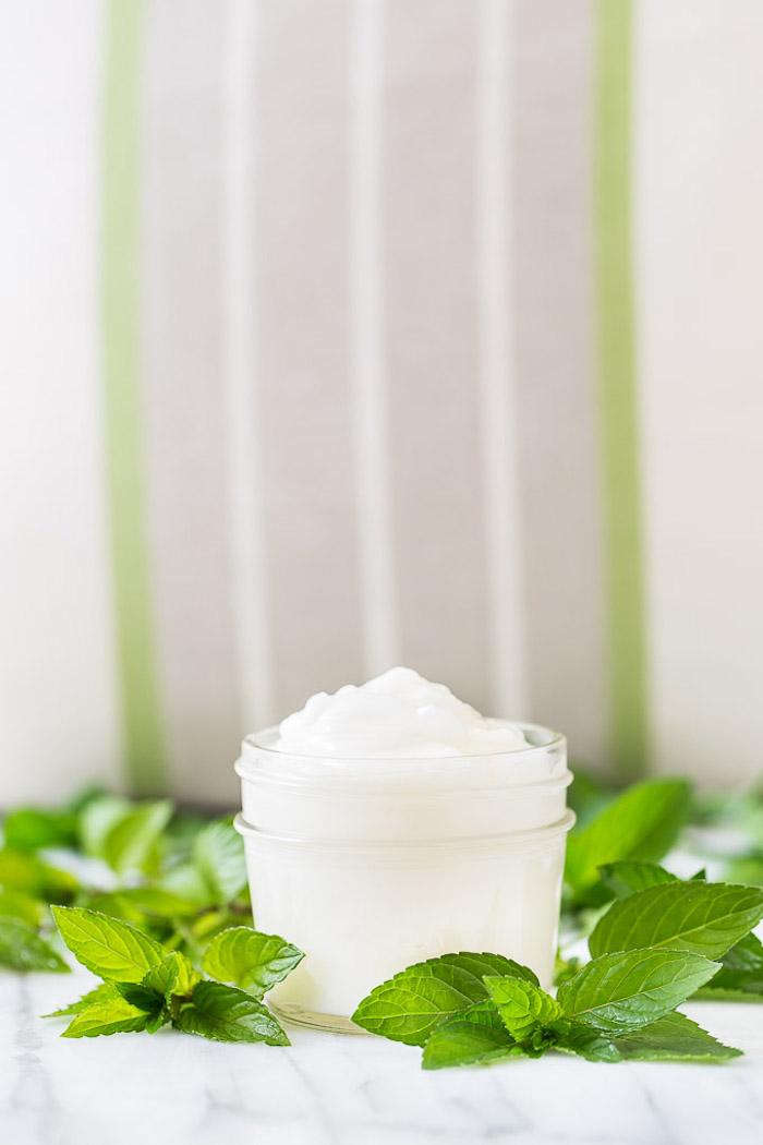 bodylotin selber machen, körperlotion mit pfefferminze, kokosöl und aloe vera