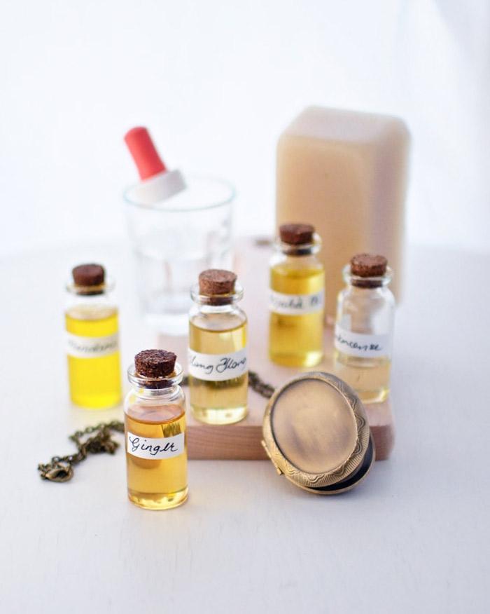 parfum selber herstellen, verschiedene parfümöle, kosmetik aus natürlichen zutaten