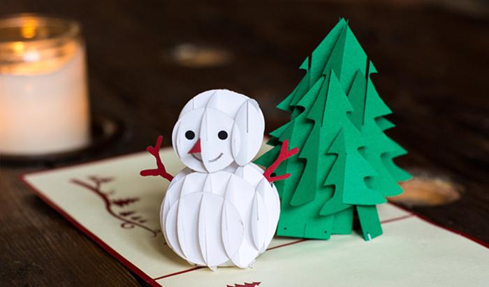 Coole Alternative zur klassischen Weihnachtskarte, 3D Weihnachtskarte mit Schneemenn und Weihnachtsbaum