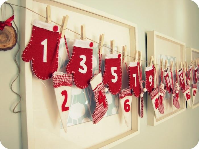 Adventskalender für Freund - eine Menge rote Handschuhe und Söckchen mit Nummern