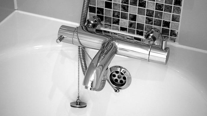 neue Armaturen für die Badewanne