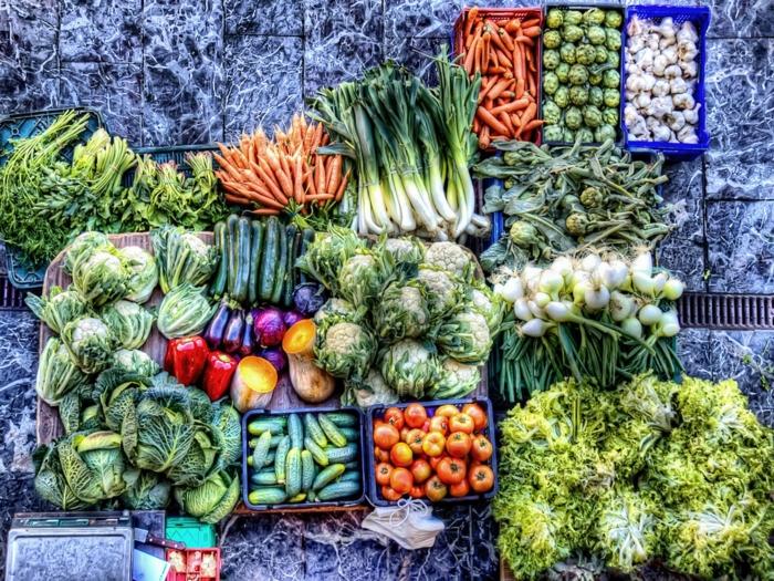Berliner Wochenmärkte, Bio Gemüse verkaufen, ohne Schadstoffe und Genhtechnik, große Viealfalt