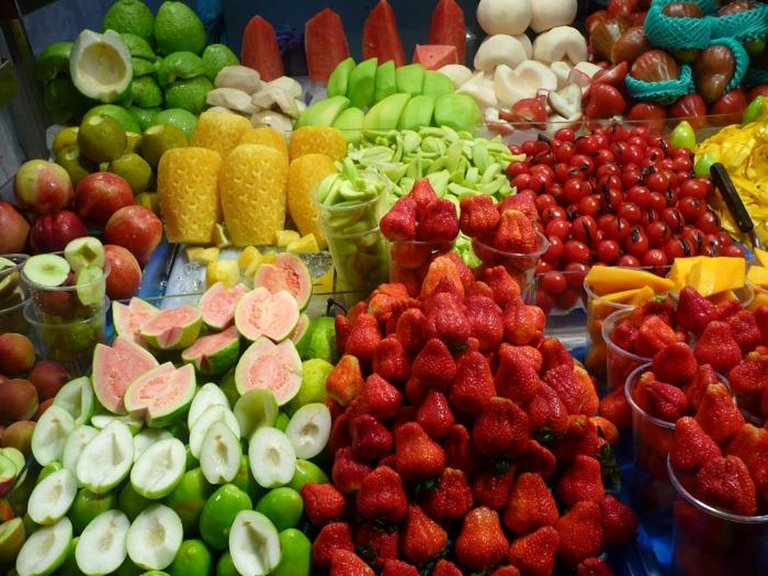 Berliner Wochenmärkte, Obst und Gemüse aus der Region und auch aus fernen Ländern