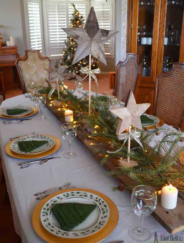 weihnachtliche tischdeko ideen sterne aus holz grüne tannenbäume aus servietten selber falten