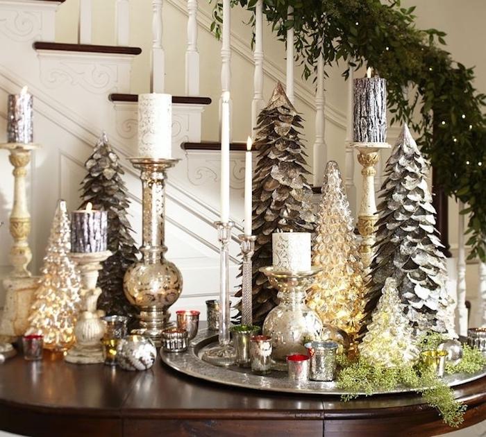 Weihnachtstischdeko kerzen in verschidenen gestaltungen tannenbaum design ideen tablett
