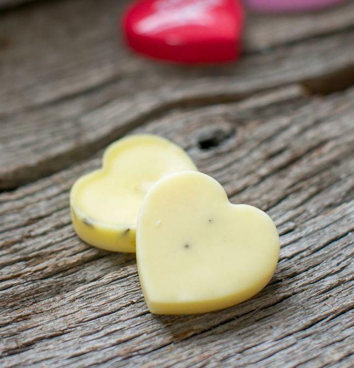 bodylotion selber machen, selbetgemachte geschenke für frauen, lotion bars mit mandelöl