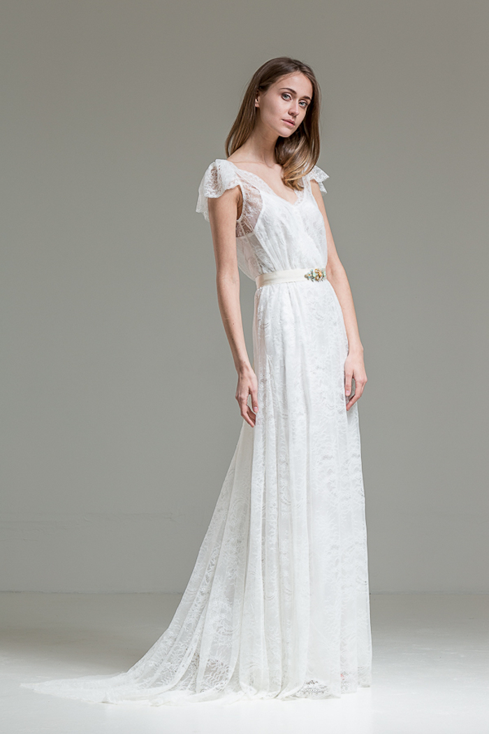 hochzeitskleid spitze, langes hippie kleid mit gürtel aus satin