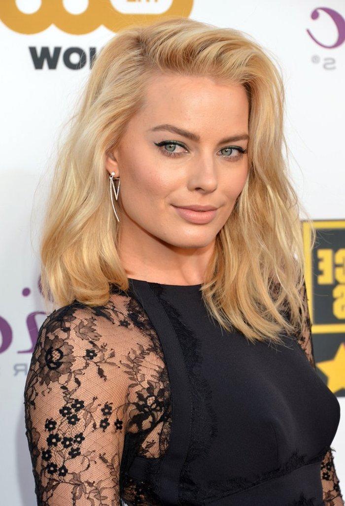 frisuren mittellanges haar blonde haare mittellang wilder look natürlich schön selbstbewusst wirken