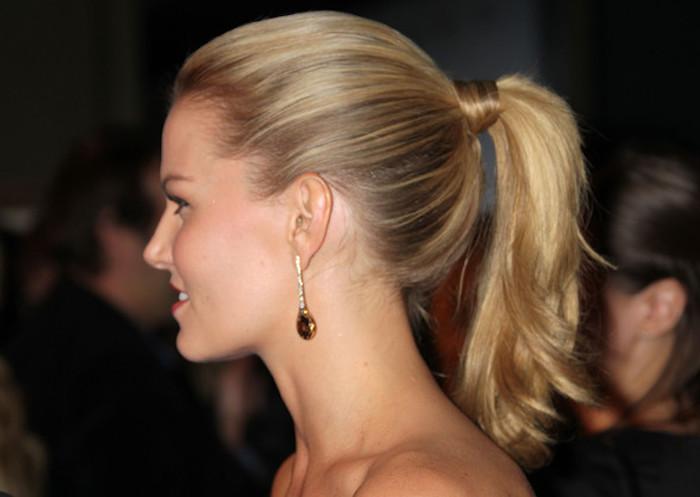 einfache flechtfrisuren schöne idee die haare schnell und schön zu gestalten gebundene haare