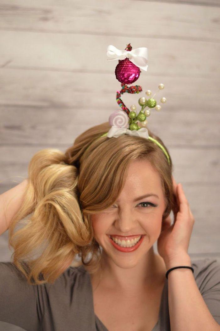 einfache frisuren zu den festtagen feiertage blonde haare mit diadem keine spezielle frisur nötig